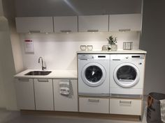 Tugce Morkoc (notitle) Tugce Morkoc The post Tugce Morkoc appeared first on Arbeitszimmer Diy. Laundry Room Cabinets, Kitchen Pantry Cabinets, Laundry Room Storage, Laundry In Bathroom, Garage Cabinets, Bathroom Cabinets, Modern Laundry Rooms, Laundry Room Layouts, Small Kitchen Pantry