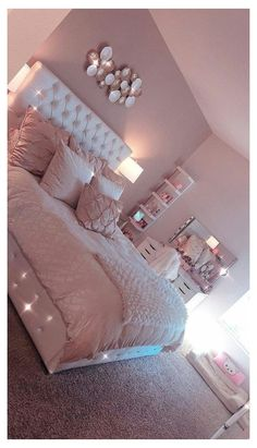 Room Decor Bedroom Rose Gold, Bedroom Decor For Teen Girls, Cute Bedroom Ideas, Room Ideas Bedroom, Trendy Bedroom, Bedroom Themes, Bed Room, Modern Bedroom, Contemporary Bedroom