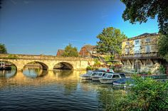 Folly Bridge over the Thames & The Head of the River Pub, Oxford by sdhaddow, via Flickr