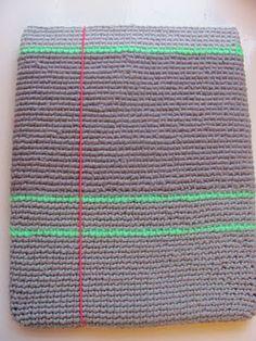FOR 2 KR. BLANDET: hæklet iPadcover