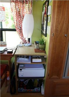 Home Office on Wheels Home Office Setup, Home Office Desks, Office Furniture, Furniture Design, Office Ideas, Demountable Partitions, Living On The Road, Carpet Tiles, Office Interiors