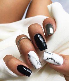Silver Nail Designs, Marble Nail Designs, Cute Acrylic Nail Designs, Nail Art Designs, Nails Design, Black And White Nail Designs, Acrylic Nails Coffin Short, White Acrylic Nails, Black Marble Nails
