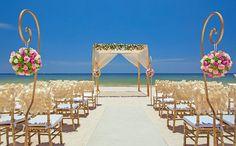 Beach destination wedding in Cancun, Mexico by Royalton Riviera Cancun Resort & Spa. @destweds Royalton Riviera Cancun Resort & Spa – Cancun, Mexico