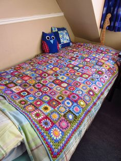 """a blanket """"Ta-Dah"""" even. Crochet Bedspread, Patchwork Bedspreads, Crochet Afghans, Manta Crochet, Bed Spreads, Spring Time, Bunny, Plaid, Quilts"""
