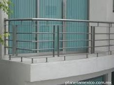 Terrace Grill, Balcony Grill Design, Balcony Railing Design, Window Grill Design, Balcony Decoration, Diy Stair Railing, Modern Railing, Staircase Railings, Staircase Metal