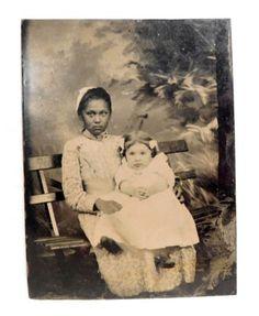 ANTIQUE-TINTYPE-PHOTOGRAPH-OF-BLACK-NANNY-W-WHITE-CHILD-ESTATE