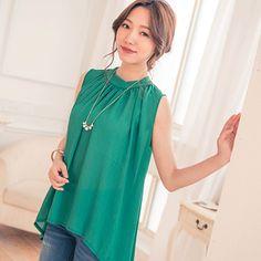 時尚抓摺立領不規則下襬雪紡上衣  Graceful green.