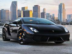 Mau Nyetir Lamborghini Tapi belom Mampu Beli? Bisa Sewa Aja!