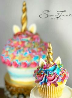 Unicorn birthday party cupcakes