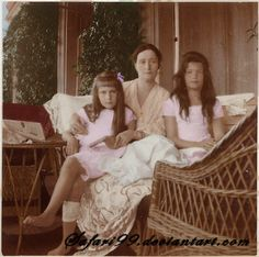 Grand Duchess Maria & Grand Duchess Anastasia with their mother, Tsarina Alexandra