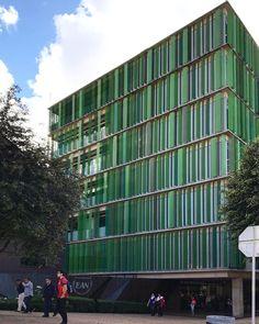 Universidad EAN building in #Bogota by #DanielBonilla 🇨🇴👏🏻 #archdaily #architecture #instagood #iphonesia #colombia #hunterdouglas