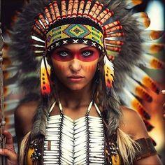 Los indígenas americanos, también llamados indios, amerindios, nativos americanos o indoamericanos, son los pobladores originarios de Amér...