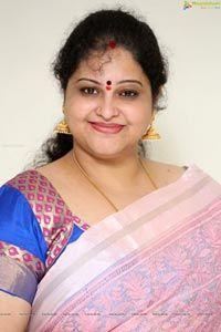 Check Out Actress Raasi at Lanka Movie Interview Ramya Krishnan Hot, Mallu Aunties, Tamil Girls, Bing Images, Images Photos, Hottest Photos, Sari, Photoshoot, Actresses