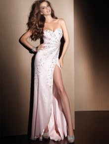 6b290963f30 12 Best Prom Dresses for Tall Girls images