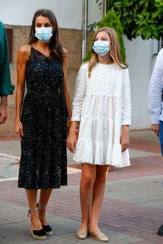 Princess Sofia, Prince And Princess, Style Icons Inspiration, Casa Real, Vestidos Zara, Estilo Real, Laetitia, Power Dressing, Queen Letizia