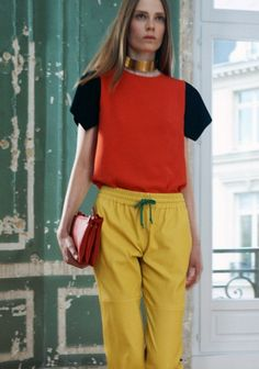 Contrasted tee. Yellow pants with coulisse. All by Celine.  sleeve