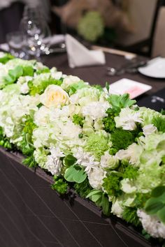 #Wedding メインテーブル装花 フローリスト「ニコライ・バーグマン」
