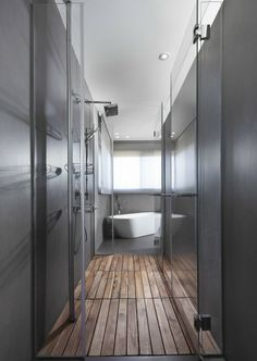 Penthouse in Tel Aviv, photographer Elad Gonen #bathroom #shower #bath