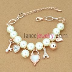 Delicate beads chain link bracelet with cat eye decoration