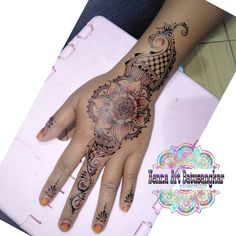 Henna fun   Henna by: @hennaartbatusangkar  Henna art batusangkar Henna wedding wisuda perpisahan fun and nail art  #hennaartbatusangkar #henna #hennaart #hennasimple #hennatattoo #hennawedding #inaipengantin #malambainai #gadih_minangkabau #batusangkar_punyo #hennabatusangkar #hennasolok #hennapadang #hennapayakumbuh #hennasijunjung #hennasawahlunto #hennapadangpanjang #hennatalawi #hennasumbar #mahimbau #hennalintau #hennalimokaum #hennasungaitarab #hennarambatan #hennasaruaso…
