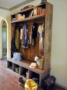 The entryway is always an important region of the house to concentrate on. Entryway is the very first room people see when they come to your home. To lessen clu. House Design, New Homes, Furniture, House, Home, Interior, Mud Room Storage, Home Decor, Mudroom Design