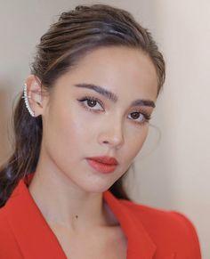 Beautiful Celebrities, Beautiful Women, Girl Attitude, Asian Makeup, Character Modeling, Asian Woman, Beauty Women, Beauty Makeup, Face