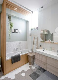Home sweet home, place sathonay Marion LANOË Bathroom Interior, Modern Bathroom, Interior Design Living Room, Small Bathroom, Bad Inspiration, Bathroom Inspiration, Sweet Home, Apartment Renovation, Laundry In Bathroom