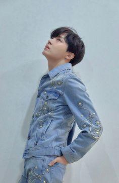BTS LOVE YOURSELF ' Tear ' Concept photo R version. Jung Hoseok