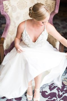 Stylish Peach Wedding - Belle The Magazine Cinema Wedding, Wedding Ceremony, Wedding Gowns, Wedding Gallery, Wedding Blog, Wedding Picture Walls, Hayley Paige Bridal, Bridal Pictures, Sophisticated Bride