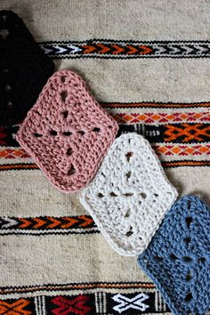 Hilja Design -blogi: Harlekiinineliön ohje - Pattern for harlequin granny square