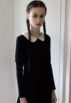 wednesday addams makeup style Felice Fawn in her Wednesday Adams outfit Make Up Looks, Alternative Mode, Alternative Fashion, Goth Beauty, Dark Beauty, Dark Fashion, Gothic Fashion, Felice Fawn, Costume Ideas