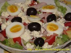 Salata bulgareasca Yummy Drinks, Yummy Food, Tumblr Food, Romanian Food, Cooking Recipes, Healthy Recipes, Hungarian Recipes, 30 Minute Meals, Saveur