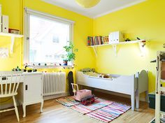 kids room//bright yellow..