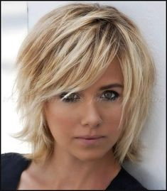 Haare 20 Choppy Bob Haircuts # Choppy # Bob Haircuts Lange Frisuren Hair Affair: A Story Of Loss And Shaggy Bob Hairstyles, Choppy Bob Haircuts, Hairstyles Haircuts, Layered Haircuts For Medium Hair Choppy, Choppy Bob With Bangs, Short Layered Bobs, Choppy Cut, Medium To Short Hairstyles, Short Shaggy Bob