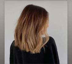 Mid Length Hair With Layers Mid Length Hair With Layers, Wedding Moments, Layered Hair, Hair Inspo, Hair Lengths, Wedding Jewelry, Wedding Planner, Wedding Photos, Jewelry Design