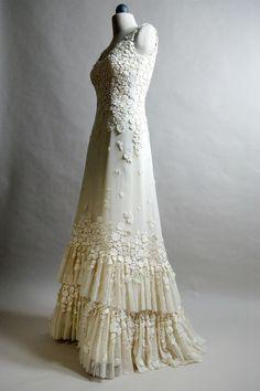 Nihil Obstat, una novia de autor en @Vogue Spain . #Fashion #Moda #Wedding
