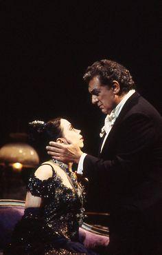 Plácido Domingo and Maria Ewing  Fedora (1997)  Photo Credit: Ken Howard