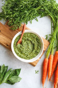 Vegetarian Recipes, Cooking Recipes, Healthy Recipes, Vegan Pesto, Basil Pesto, Carrot Top, Party Finger Foods, Pesto Sauce, Healthy Alternatives