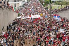 Montreal yesterday... Grande manifestation à Montréal pour les 100 jours du conflit étudiant