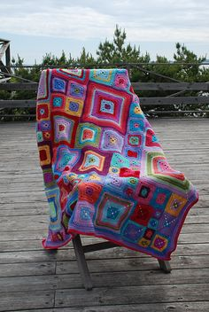 Ravelry: Project Gallery for Babette Blanket pattern by Kathy Merrick - very similar to Smurf afghan