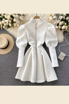 Elegant Party Dresses, Party Dresses For Women, Stylish Dresses, Casual Dresses, Girls Fashion Clothes, Fashion Dresses, Fashion Wear, Mode Hijab, White Mini Dress