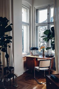 Home Tour with Tim Labenda & Hannes Krause design interior minimalist Home Tour with Tim Labenda & Hannes Krause Design Living Room, Living Room Decor, Living Spaces, Bedroom Decor, Design Bedroom, Dining Room, My New Room, Cheap Home Decor, Home Decor Accessories
