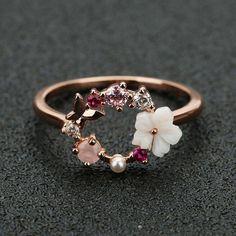 粉色, اللون الوردي Cute Rings, Pretty Rings, Beautiful Rings, Wedding Rings Rose Gold, Wedding Rings For Women, Rose Gold Rings, Pearl Rings, Rose Wedding, Flower Rings