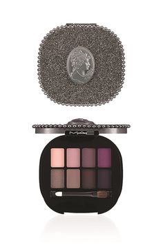 MAC Keepsakes Holiday 2014 Eyeshadow Palettes and Brush Sets-yep this will be on my Christmas list this year fo sure