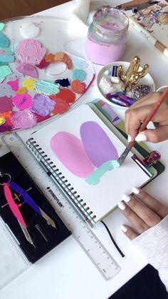 Doodle Art Designs, Diy Art Painting, Art Drawings Simple, Art Drawings, Mandala Art Lesson, Amazing Art Painting, Diy Canvas Art Painting, Painting Art Projects, Diy Canvas Art