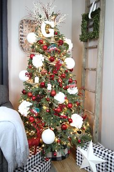 Try a few of these simple Christmas tree decorating tricks to make your tree look more polished and pulled-together this year. Anyone can have a tree that looks professionally-decorated with these easy, inexpensive tips! Tree Collar Christmas, Dollar Tree Christmas, Cool Christmas Trees, Christmas Tree Themes, Outdoor Christmas Decorations, Simple Christmas, Christmas Holidays, Christmas Crafts, Christmas Ideas