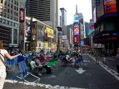 Pedestrian Broadway, Memorial Day, May 25, 2009 by Teri Tynes, via Flickr cities for the people JG