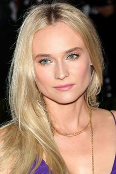 There are so many different blonde hair colours, it's hard to pick the right shade and tone. Browse these blonde celebrities to find the perfect blonde hue for you, from ash blonde to icy, and all the honey tones on the spectrum. Blonde Sombre, Blonde Color, Diane Kruger, 2015 Hairstyles, Pretty Hairstyles, Beauty Crush, Blonde Hair Extensions, Going Blonde, Pretty Hair Color