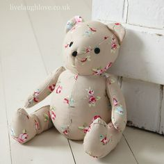 This cute doorstop is in the shape of a bear and is covered in red gingham material. The bear has a big red felt heart stitched onto his belly and cute sewn on black eyes and nose, a practical item that is also decorative. This bear is NOT a toy. Crafts To Make, Fun Crafts, Fabric Door Stop, Red Gingham, Little Girl Rooms, Diy Door, Red Felt, Couture, Softies