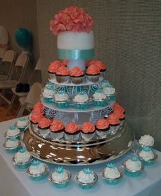 OHHH my cake lady is going to kill me because I keep changing ideas lol but hey that's what she gets paid for